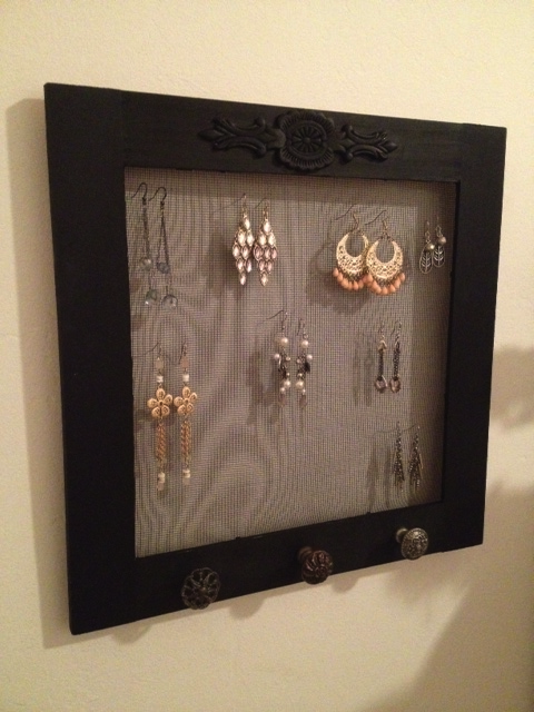 The author's finished earring holder.