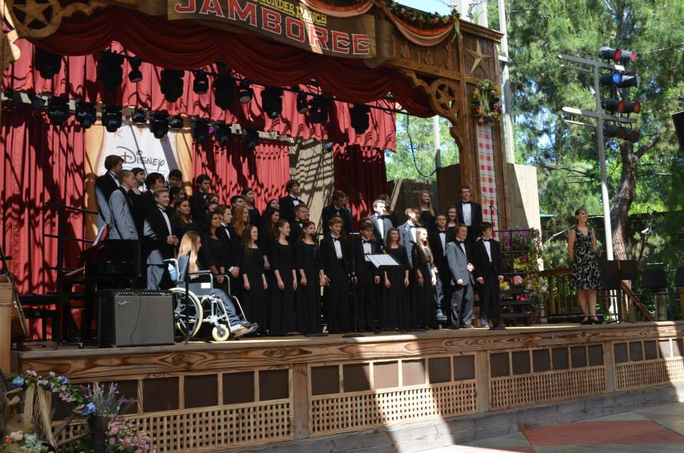 Cantabile singing at Performing Arts California Tour, used with permission by Kelly Bonowski.