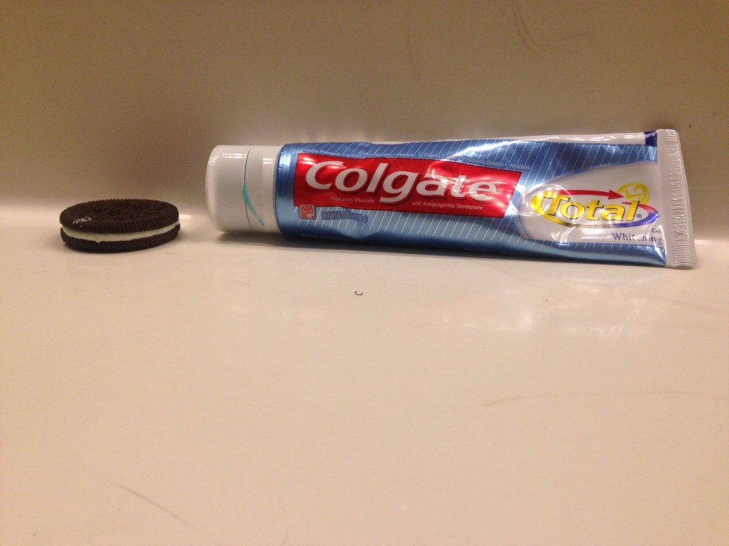 A+fun+prank+to+pull+by+using+toothpaste+to+substitute+frosting+in+an+oreo.+Anyone+can+try+this+on+a+family+member.