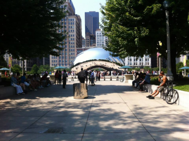 Cloud+Gate%2C+created+by+Anish+Kapoor%2C+is+located+in+Millenium+Park+in+downtown+Chicago+and+is+an+iconic+example+of+contemporary+art+in+this+day+and+age.+