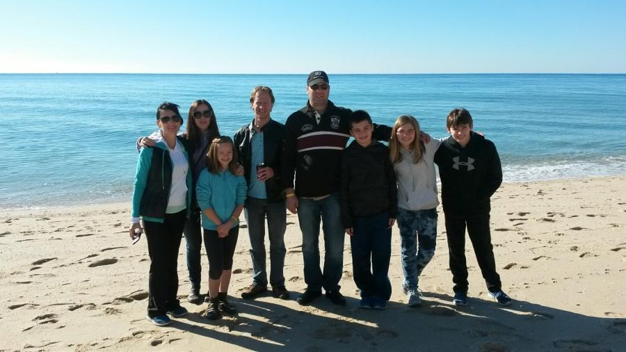 The eight people who went to Rocky Point for the New Year. The families are mixed together, but you get the gist of it.