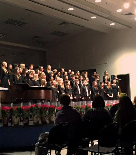 Dolce Voce and Magnum Chordum sing