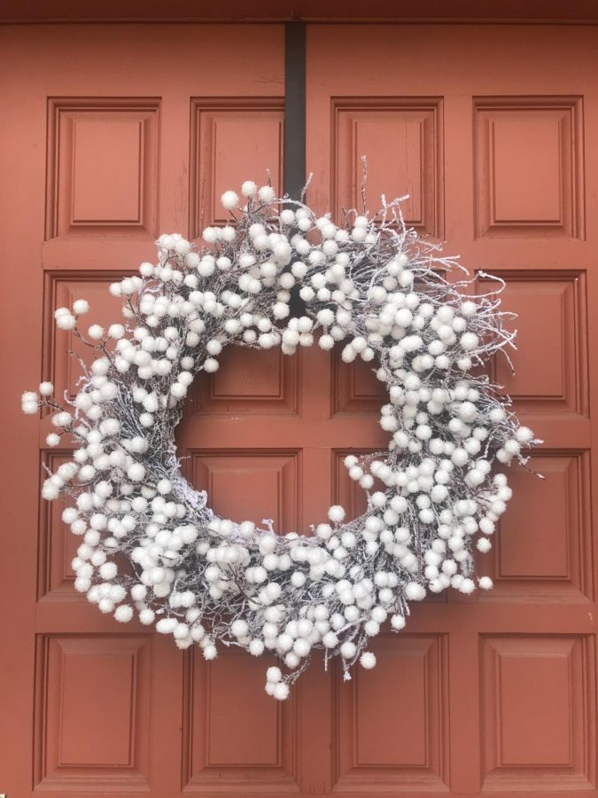 Wreaths+have+become+a+staple+decoration+of+the+Christmas+season.