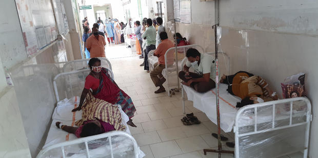 Patients+of+the+district+government+hospital+in+Eluru%2C+Andhra+Pradesh%2C+India%2C+Dec.+6%2C+2020.+