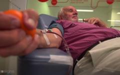 James Harrison donating his Golden Blood.
