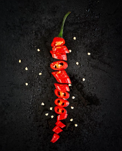 Spicy foods have both dangers and benefits.